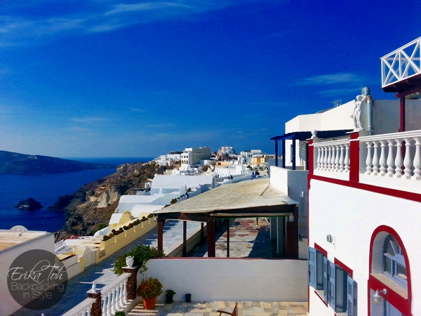 ErikaToh-Backpacking-In-Style-Captains-Budget-Studio-For-2-Maryloujohn-Villas-Oia-Santorini-17