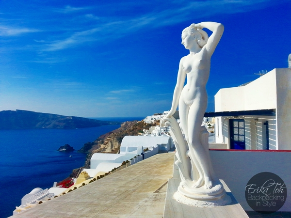 ErikaToh-Backpacking-In-Style-Captains-Budget-Studio-For-2-Maryloujohn-Villas-Oia-Santorini-19
