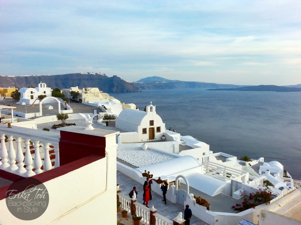 ErikaToh-Backpacking-In-Style-Captains-Budget-Studio-For-2-Maryloujohn-Villas-Oia-Santorini-20