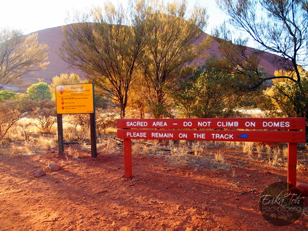 ErikaToh-Backpacking-In-Style-Kata-Tjuta-Karingana-Lookout-Valley-of-the-Winds-Walk-1