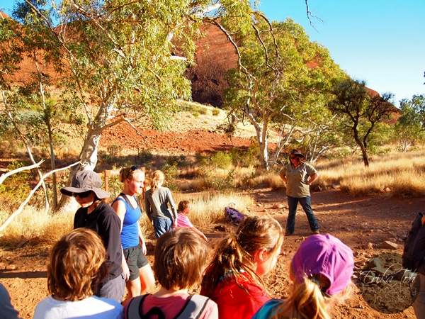 ErikaToh-Backpacking-In-Style-Kata-Tjuta-Karingana-Lookout-Valley-of-the-Winds-Walk-13