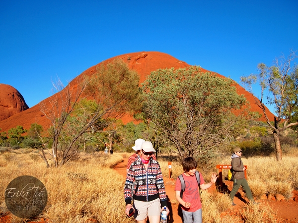 ErikaToh-Backpacking-In-Style-Kata-Tjuta-Karingana-Lookout-Valley-of-the-Winds-Walk-17