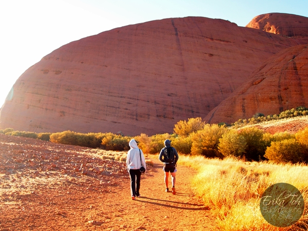 ErikaToh-Backpacking-In-Style-Kata-Tjuta-Karingana-Lookout-Valley-of-the-Winds-Walk-2