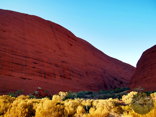 ErikaToh-Backpacking-In-Style-Kata-Tjuta-Karingana-Lookout-Valley-of-the-Winds-Walk-3