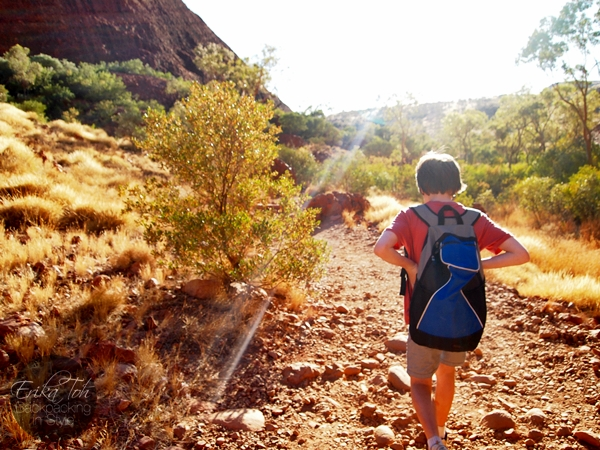 ErikaToh-Backpacking-In-Style-Kata-Tjuta-Karingana-Lookout-Valley-of-the-Winds-Walk-7