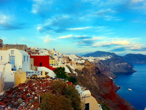 ErikaToh-Backpacking-In-Style-Old-Castle-Fort-Londsa-Sunset-Oia-Santorini-5