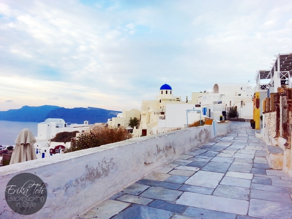 ErikaToh-Backpacking-In-Style-Sightseeing-In-Oia-Santorini-5