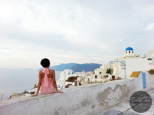 ErikaToh-Backpacking-In-Style-Sightseeing-In-Oia-Santorini-6
