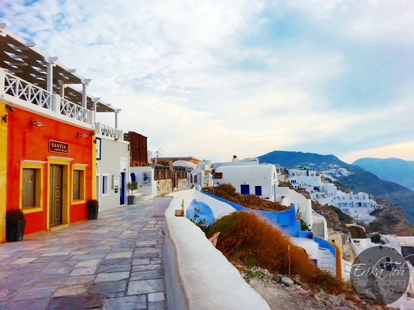 ErikaToh-Backpacking-In-Style-Sightseeing-In-Oia-Santorini-7