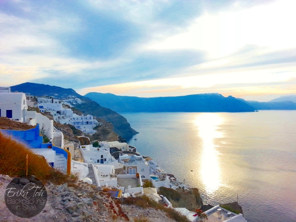 ErikaToh-Backpacking-In-Style-Sightseeing-In-Oia-Santorini-8