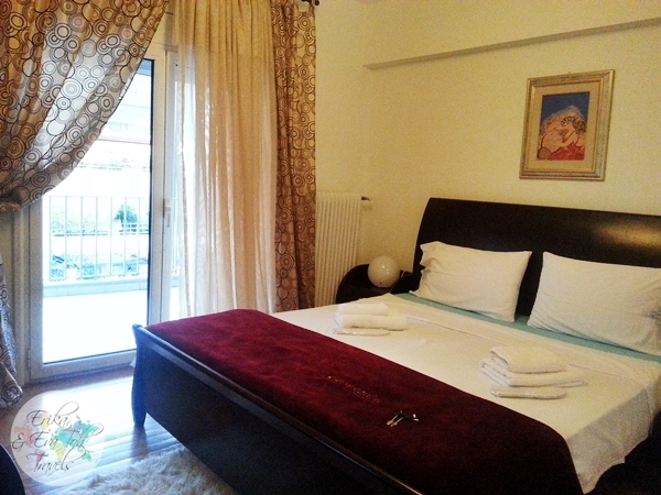 ErikaEvaTohTravels-Private-Room-in-Luxurious-Apartment-Athens-Airbnb-Christos-12