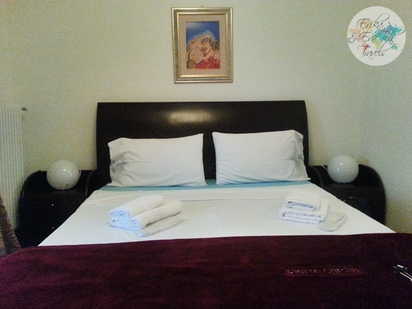 ErikaEvaTohTravels-Private-Room-in-Luxurious-Apartment-Athens-Airbnb-Christos-13