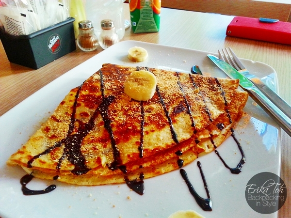 ErikaToh-Backpacking-In-Style-Banana-Choco-Crepe-Boston-Cafe-Athens