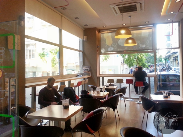 ErikaToh-Bacpacking-In-Style-Boston-Cafe-Athens-4