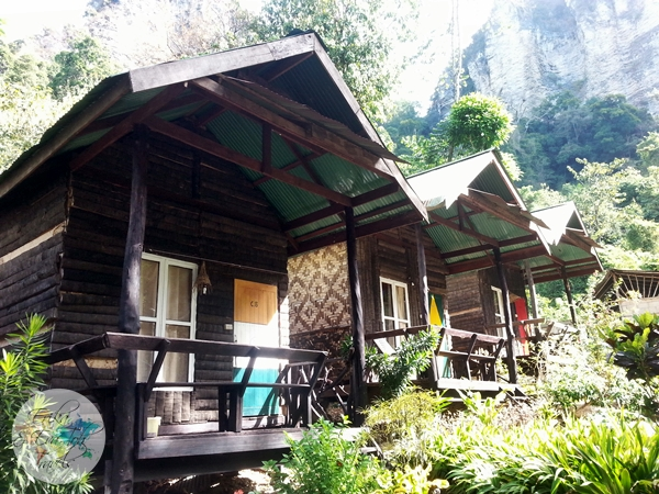 ErikaEvaTohTravels-Bungalow-Hut-Garden-View-At-Chill-Out-Bar-and-Bungalow-Tonsai-Krabi