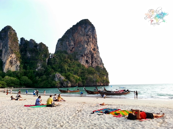 ErikaEvaTohTravels-Sunset-at-Railay-Beach-Flame-Tree-Railay-Krabi-1