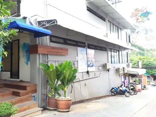 ErikaEvaTohTravels-Mini-Boxtel-Aonang-Backpackers-Hostel-Krabi-1