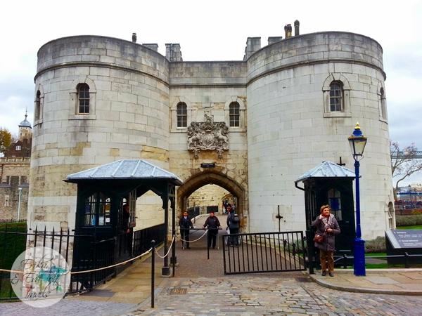 ErikaEvaTohTravels-Tower-of-London-United-Kingdom-2