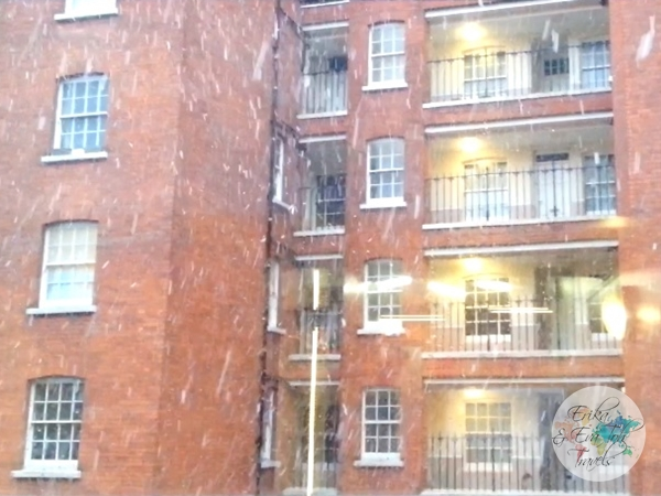 ErikaEvaTohTravels-Early-Snowfall-in-London-2015