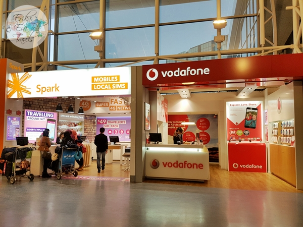 erikaevatohtravels-vodafone-spark-stores-at-auckland-airport-new-zealand