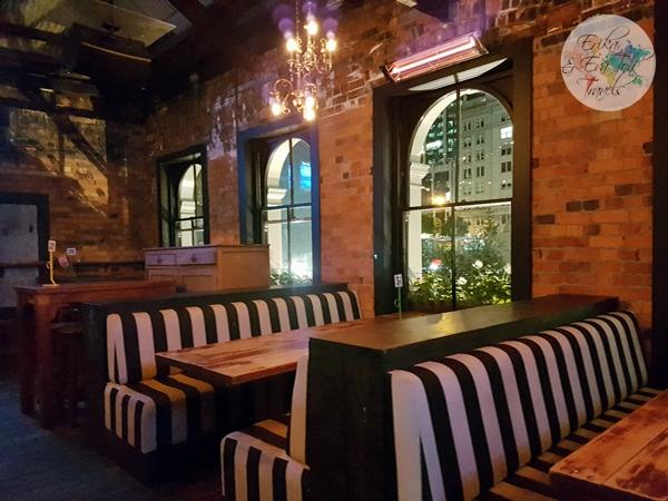 erikaevatohtravels-fort-street-union-bar-and-restaurant-1